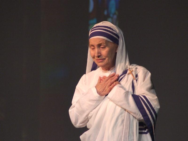 Kostadinka Velkovska (Majka Terezija)