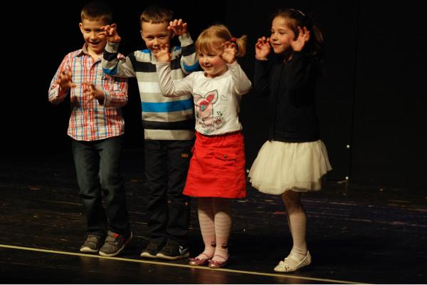 Darujmo djeci kazalište